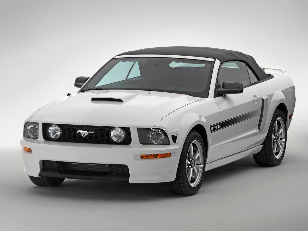 Mustang GT Luxury Car Wallpaper 1024x768