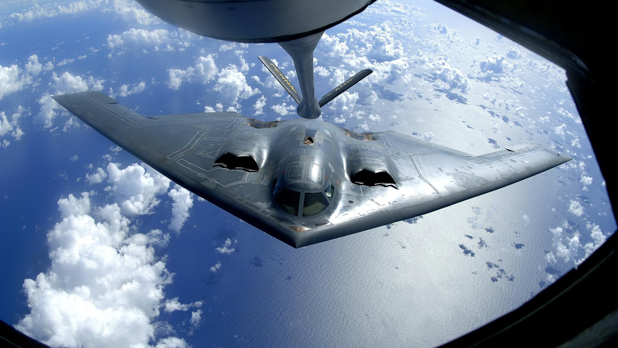 Northrop Grumman B 2 Spirit HD Wallpaper Background Image 2000x1125