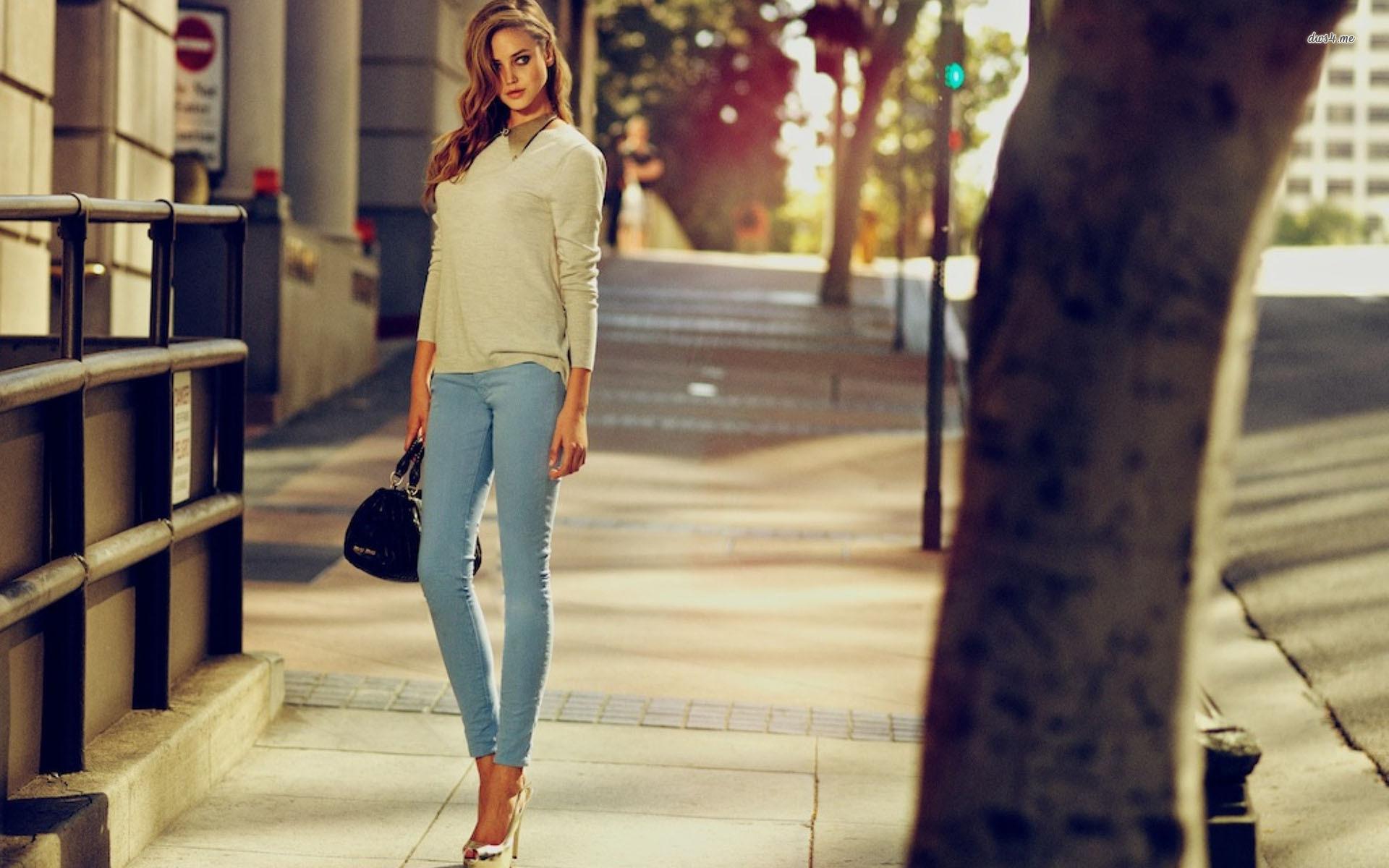 Classy girl on the street wallpaper   976075 1920x1200