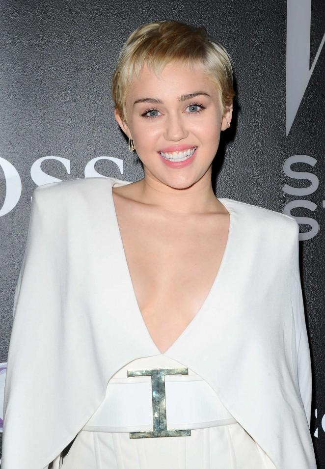 Miley Cyrus 2015 HiLyts 662x955