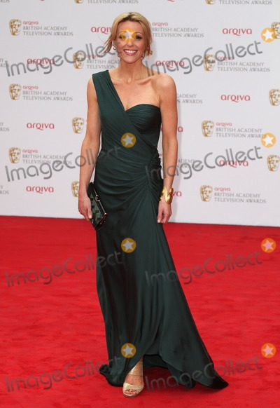 Photos and Pictures   Suranne Jones arriving for the TV 400x582