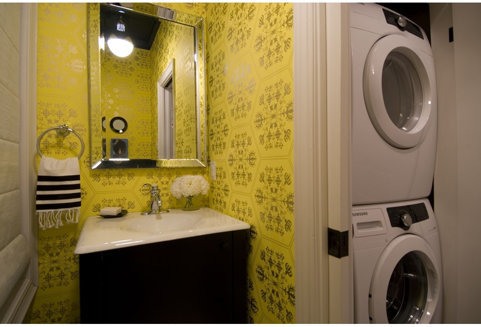 Bold Yellow Patterned Wallpaper Photos HGTV Canada 940x640