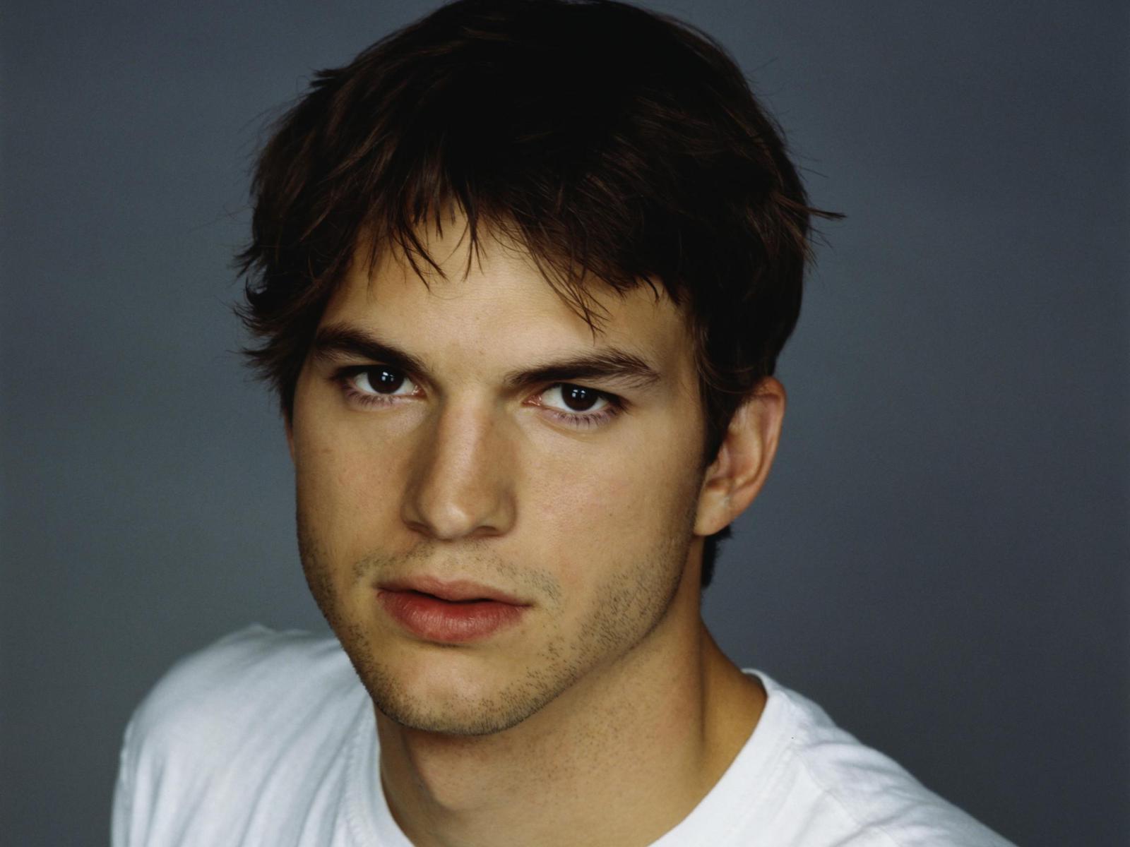 Ashton Kutcher 2014 HD Wallpaper Background Images 1600x1200