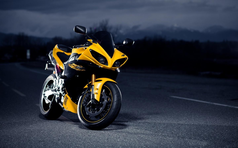 Yamaha R1 Superbike Wallpapers   1440x900   321783 1440x900