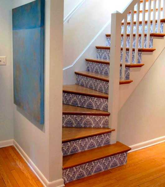21 Attractive Painted Stairs Ideas Pictures: Stairway Wallpaper