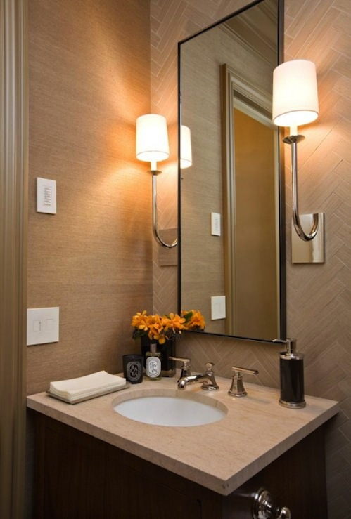 Chic small powder room design with tan grasscloth wallpaper tan tiles 499x739