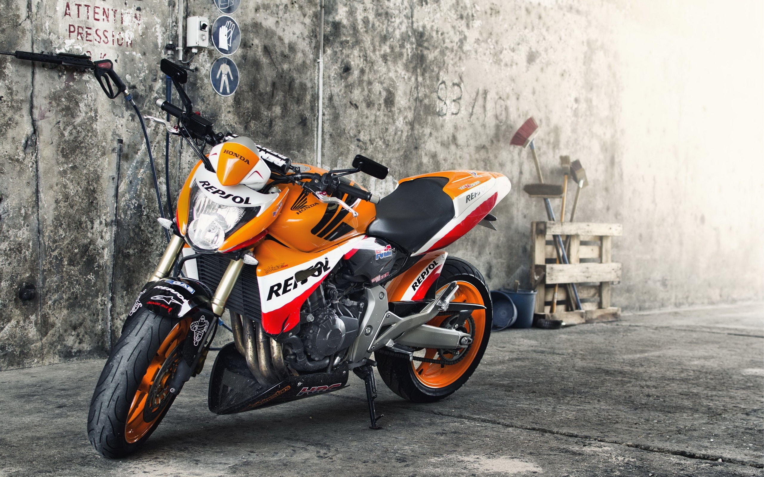 Repsol Motorcycle Wallpaper Background 49637 2560x1600px 2560x1600