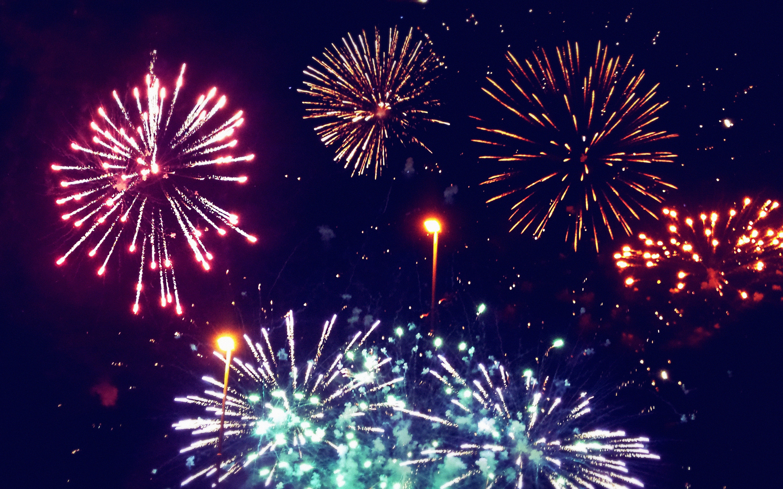 73 Fireworks Wallpaper On Wallpapersafari