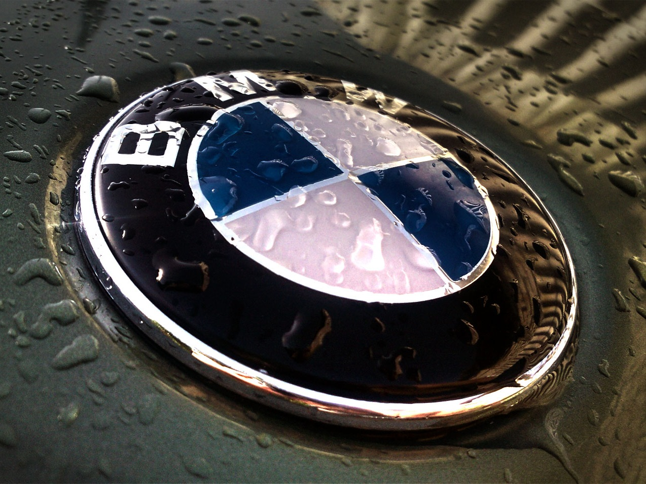BMW Logo Wallpapers by Anibal on Saturday March 12th 2016 BMW Logo 1274x956