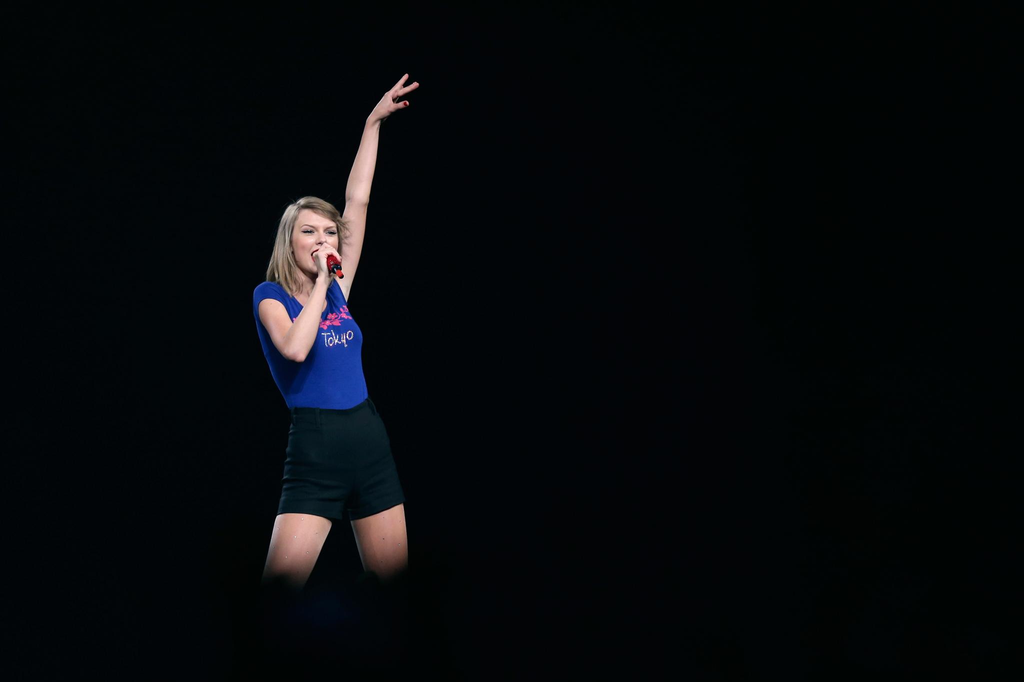 Taylor Swift 2015 Wallpaper Taylor swift RED Tour Tokyo speech 2048x1365