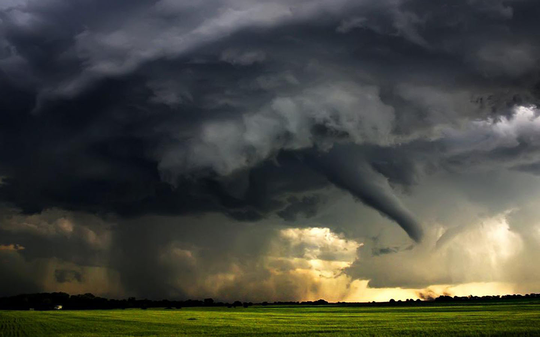Mooie tornado achtergronden hd tornado wallpapers foto 07jpg 1440x900
