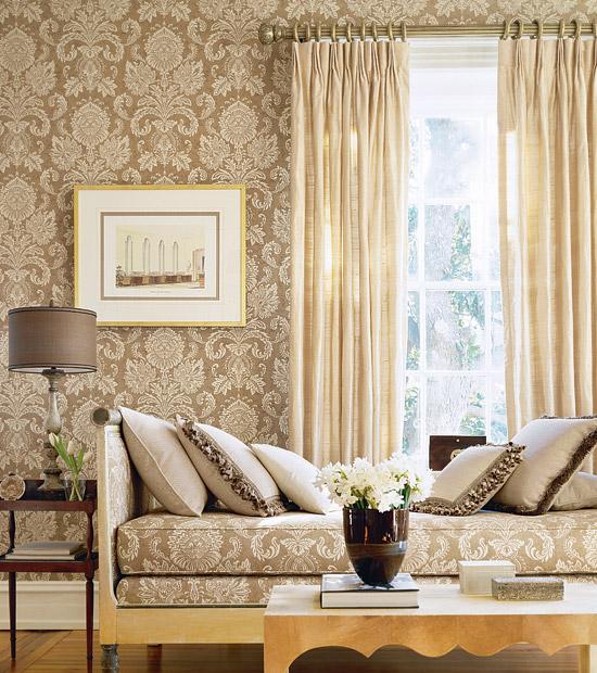 Beige damask wallpaper living room 550x620
