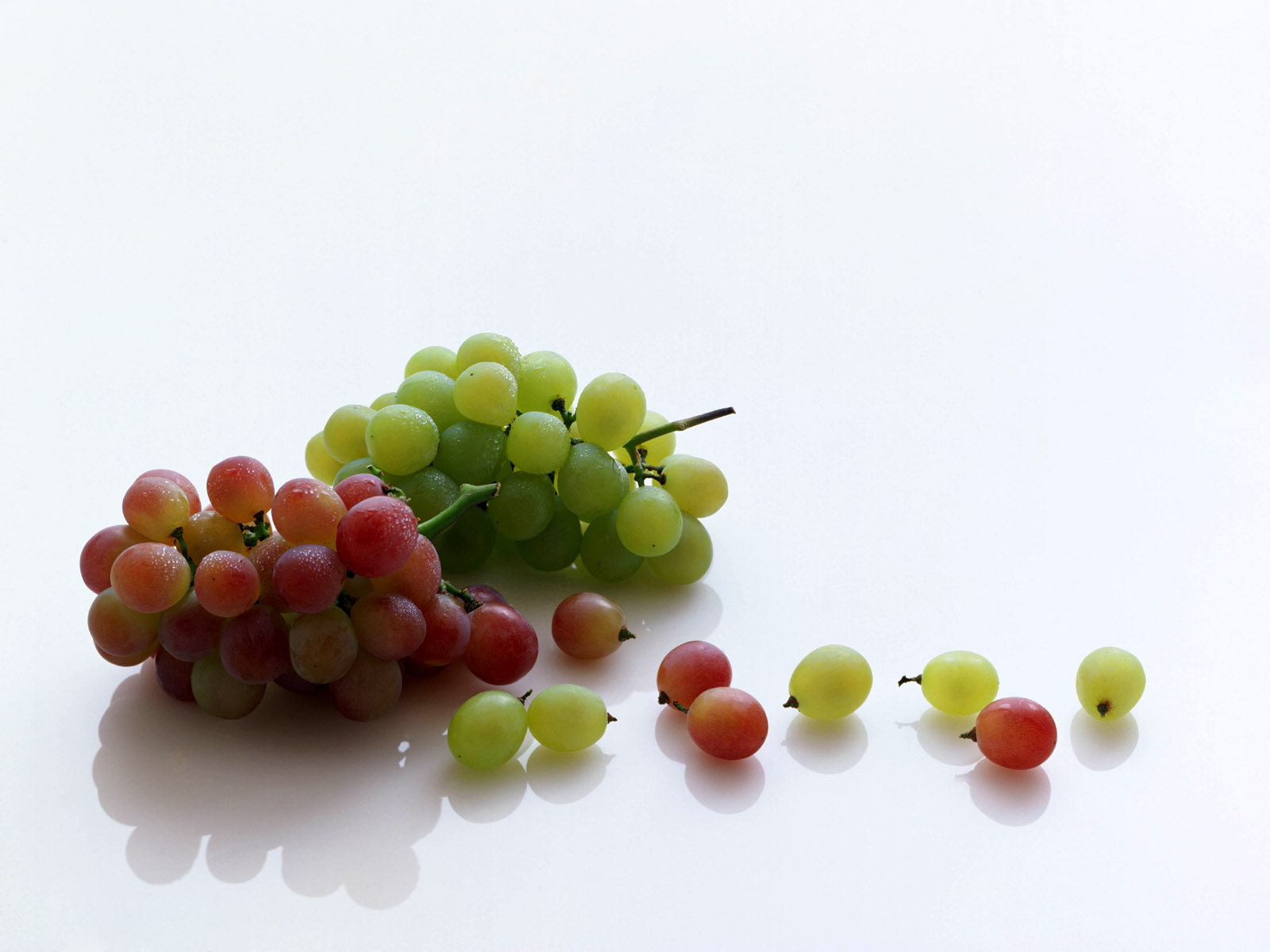 Grapes wallpapers Grapes stock photos 1600x1200