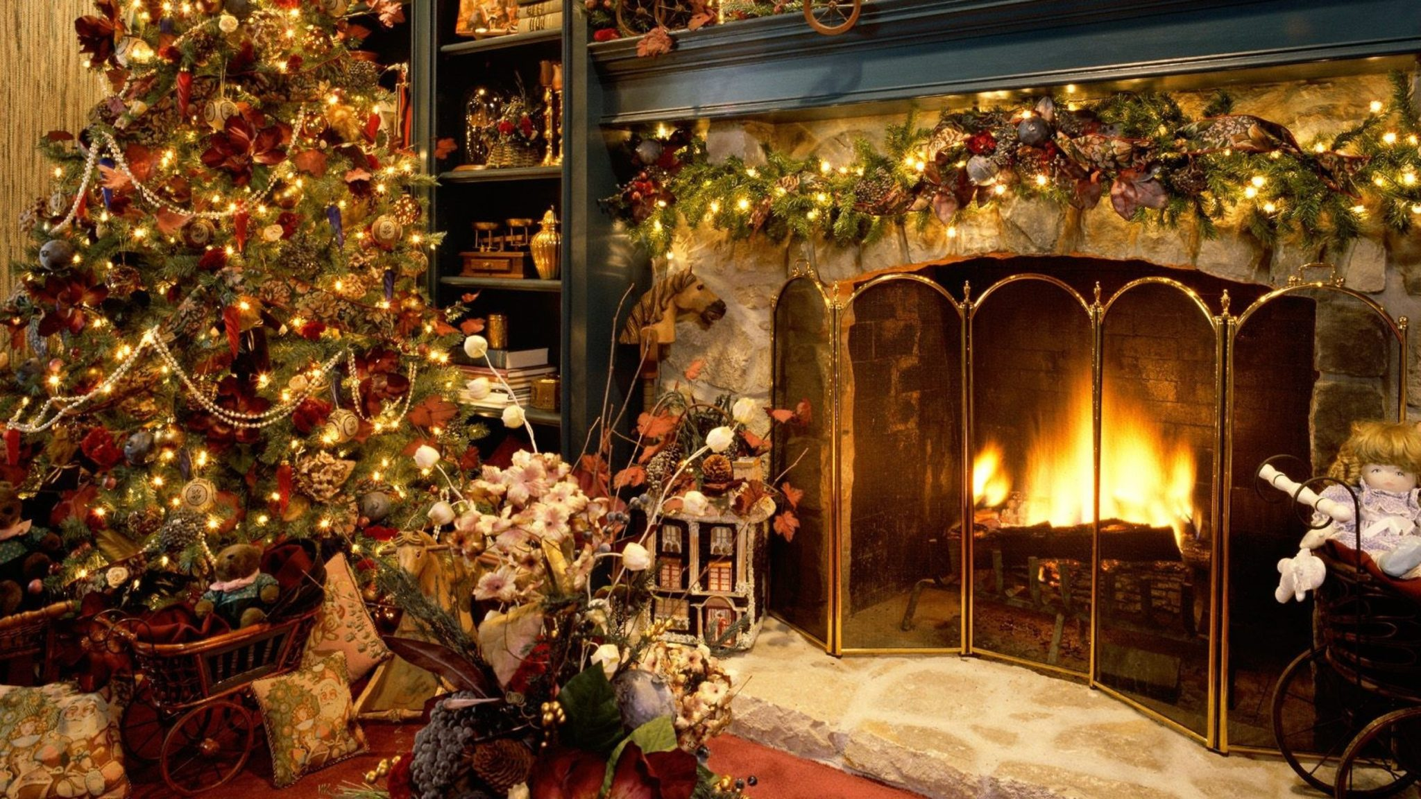 Christmas Fireplace Wallpaper 2 MICHAEL WALSH QUALITY BOOKS 2048x1152