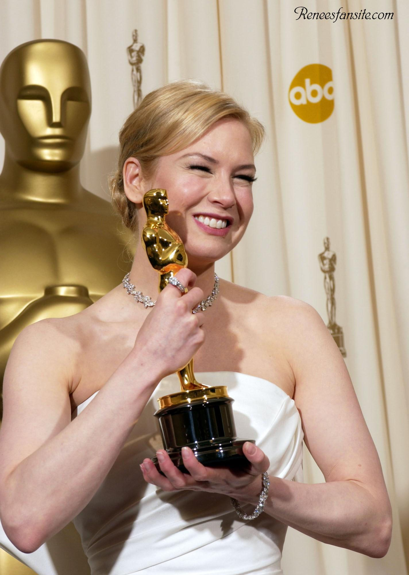 RENEE ZELLWEGER Oscar Win PICTURES PHOTOS and IMAGES Renee 1424x2000