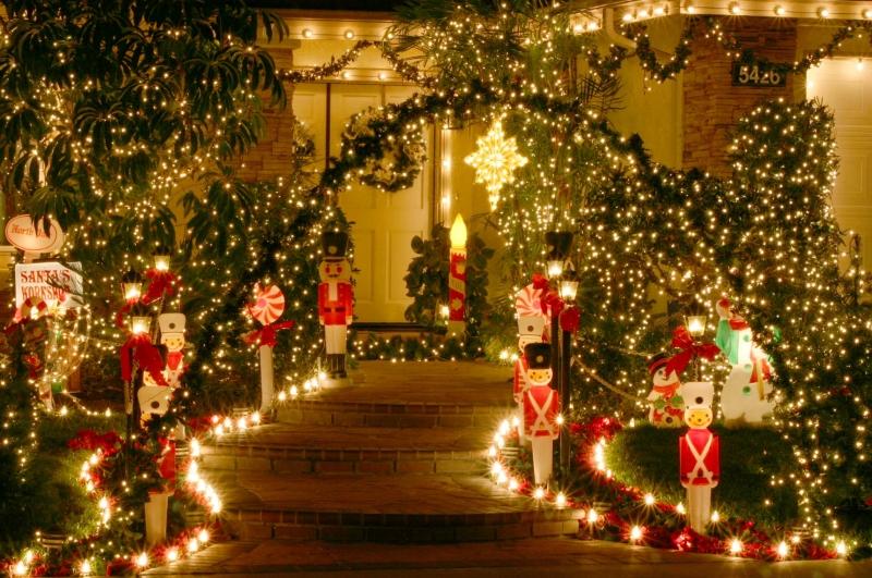 Christmaswallpaperpics1 21 Stunningly Beautiful Christmas Desktop 800x531