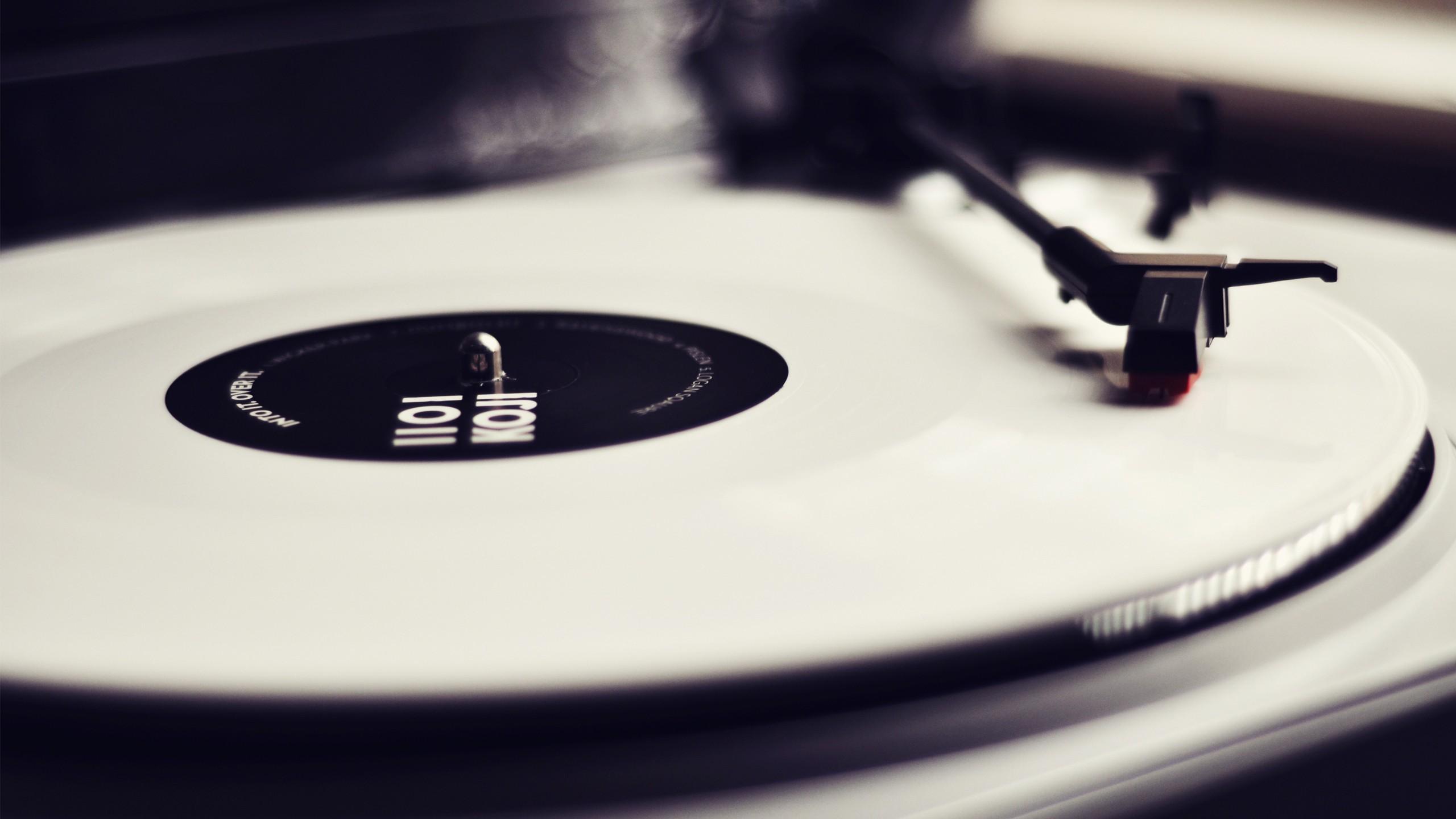 Vinyl Record Wallpaper 2560x1440 Vinyl Record Player Monochrome 2560x1440
