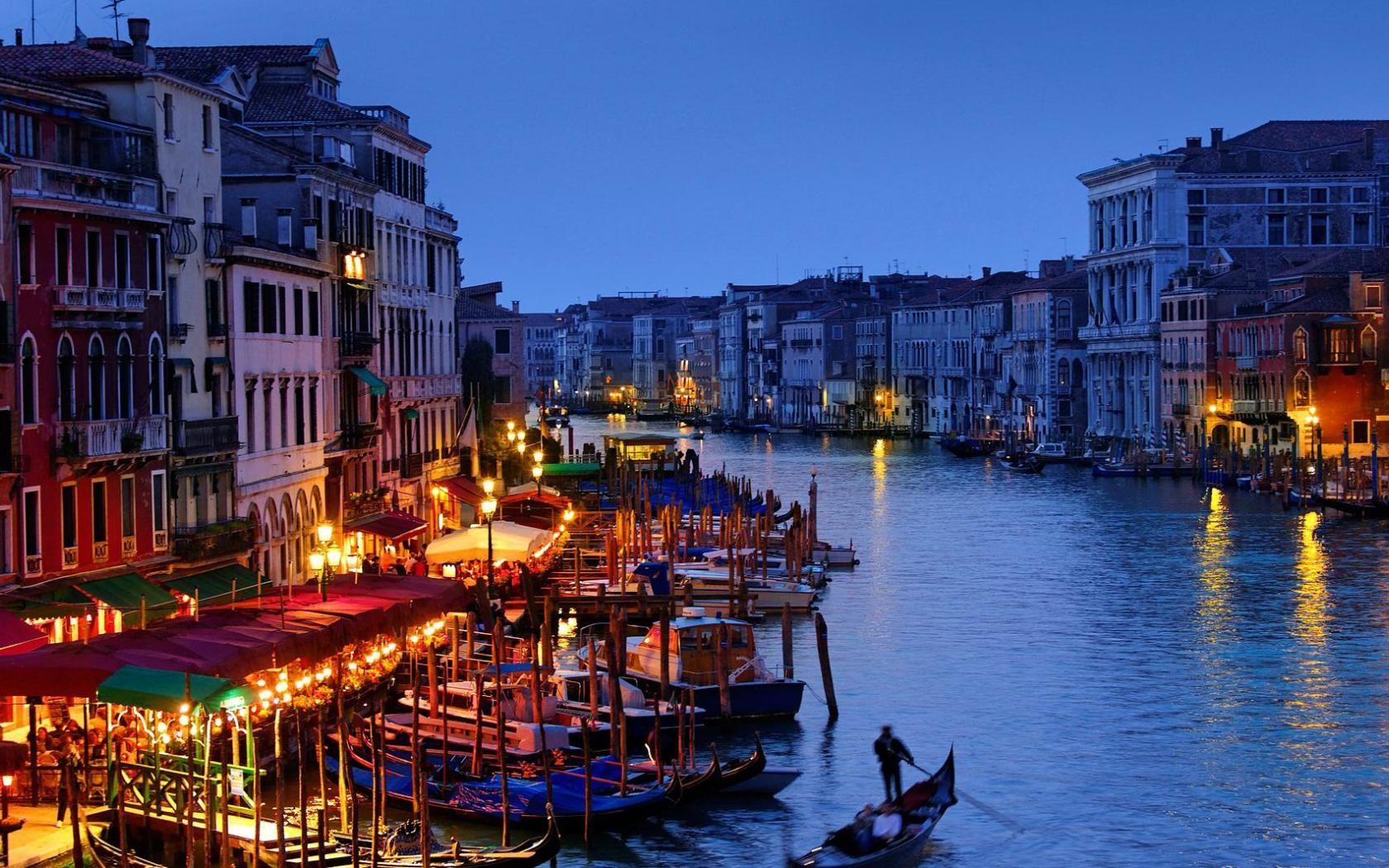 Venice Gondola Romantic Wallpaper Cool Awesome Houses 1680x1050