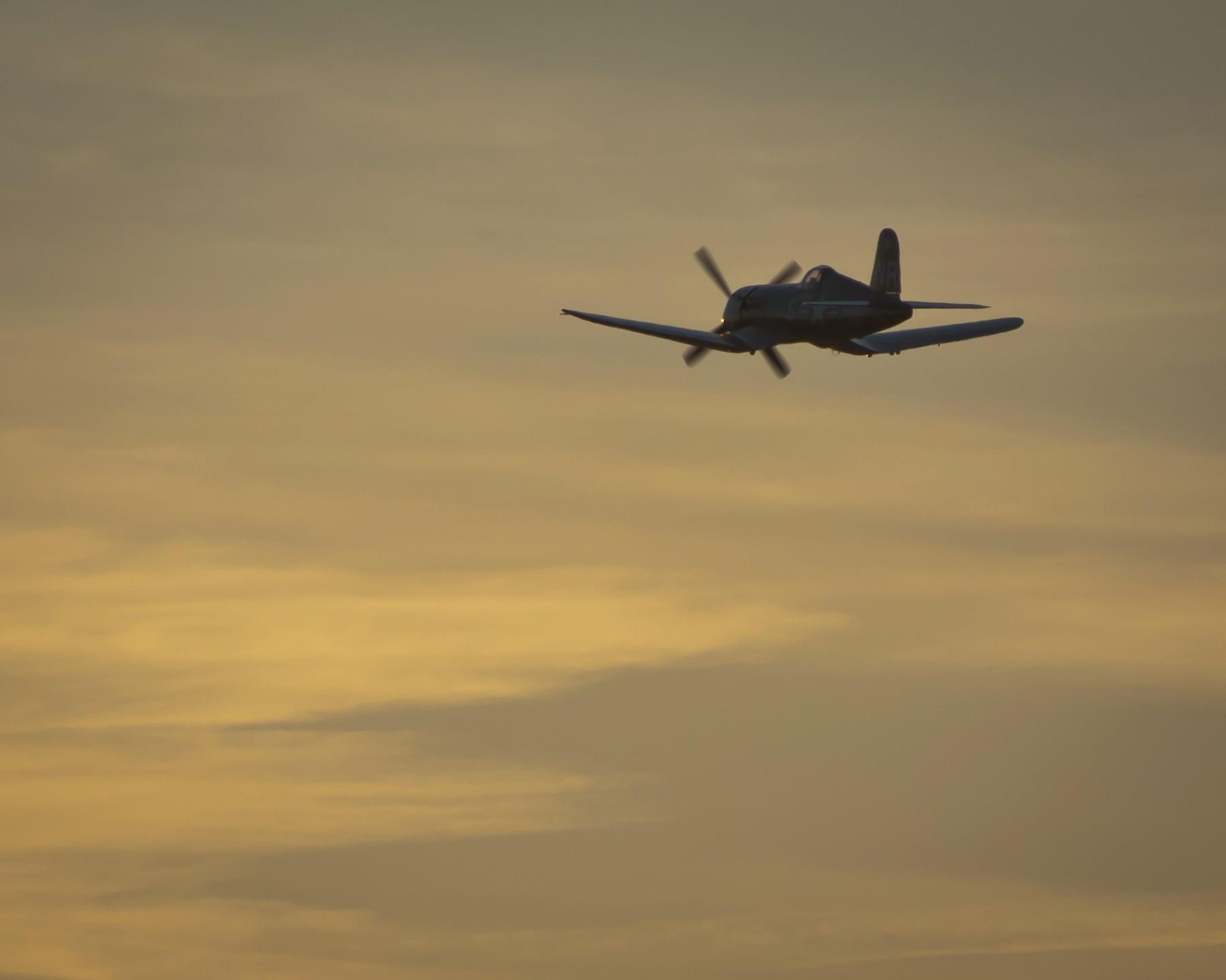 Chance Vought F4U Corsair  № 2361779 загрузить