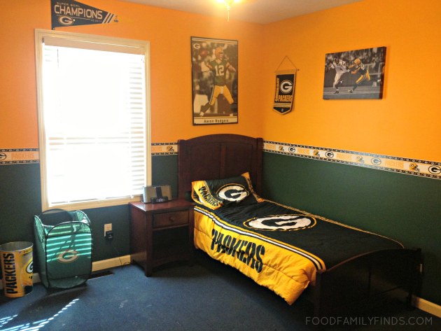 Green Bay Packers Decorated Room Green Bay Packer fans bedroom 630x473