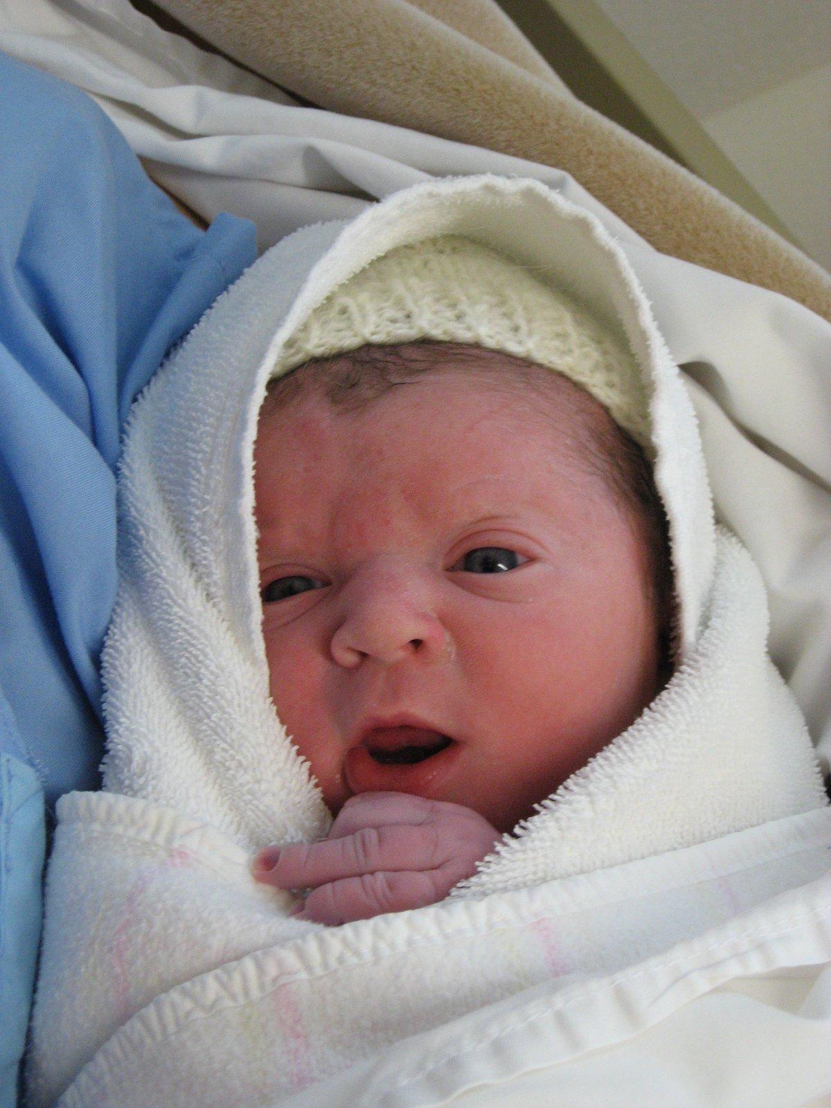 Newborn Baby Wallpaper Wallpapersafari