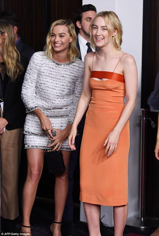 Margot Robbie and Saoirse Ronan joke around at Oscar nominee 634x939
