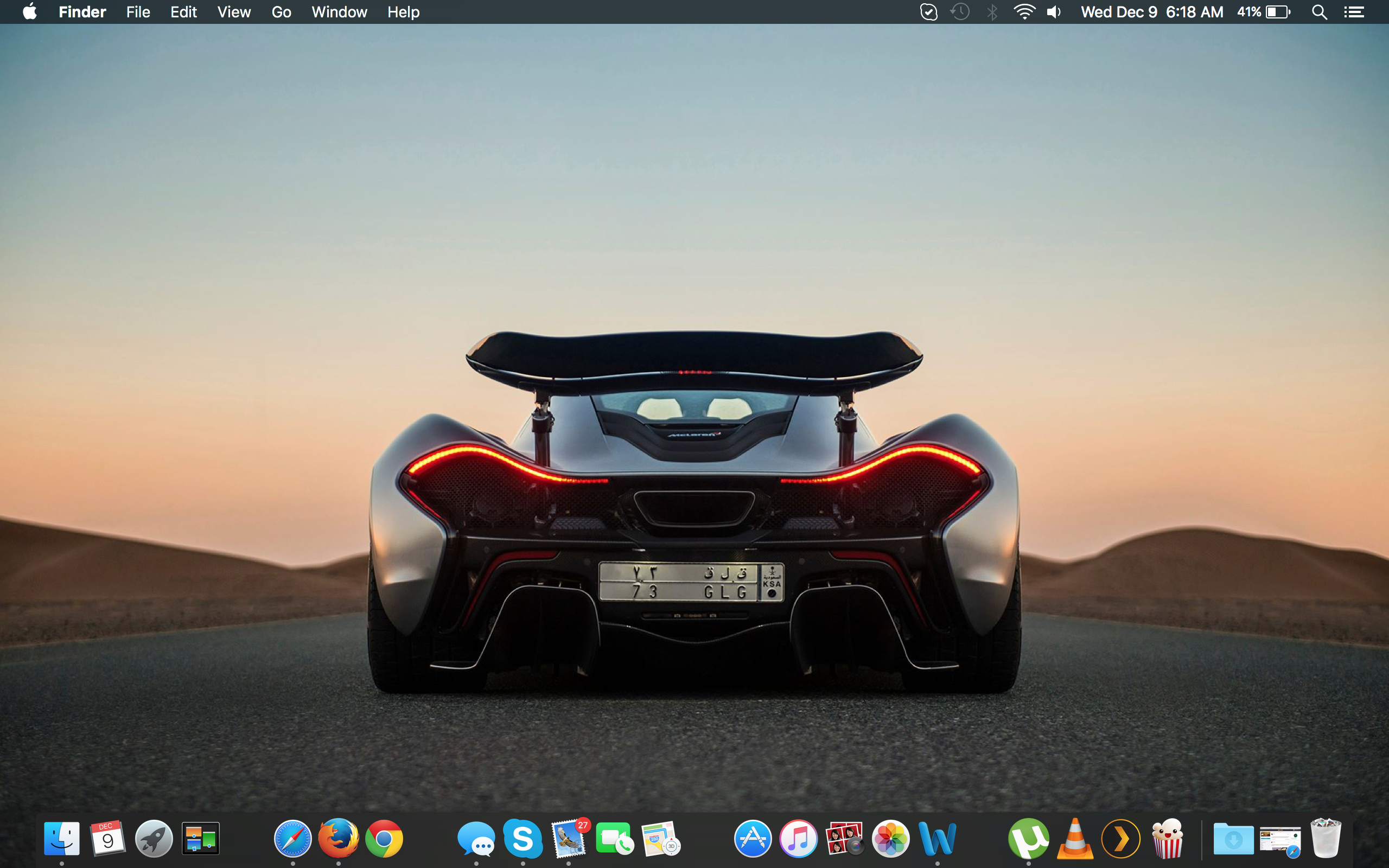 Continuing with Wallpaper Wednesday heres a look at my current 2560x1600