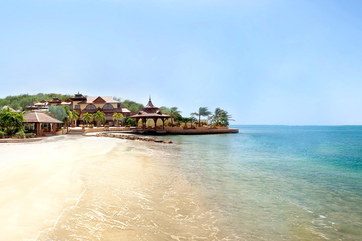 Calivigny Island Villa Boasts Private White Sand Beaches Freshwater 1200x799