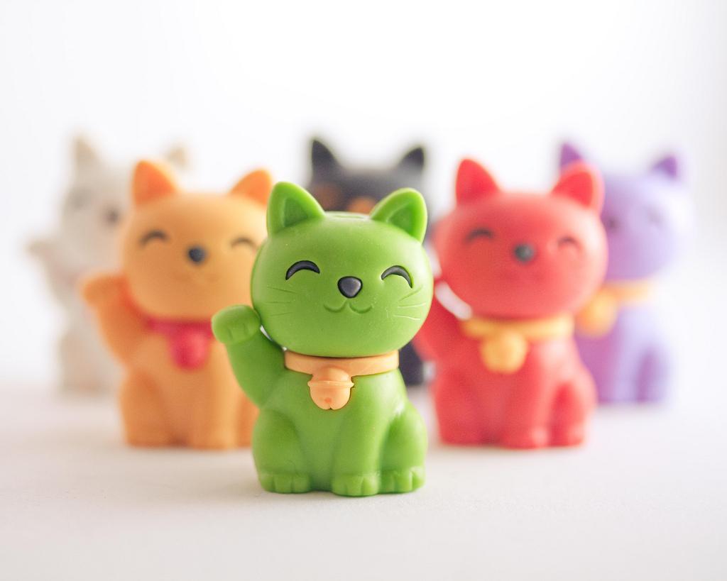 Maneki neko  Cute Lucky Cat   Japan Guide 1024x819