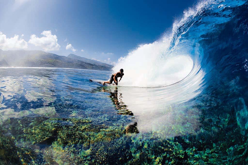 tahiti surf 550x366 Tahiti 1024x682