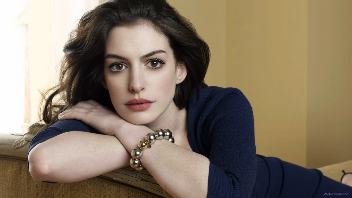 38 Hollywood Girls Beautiful Actress In Hd Wallpaper with 1366x768 1366x768