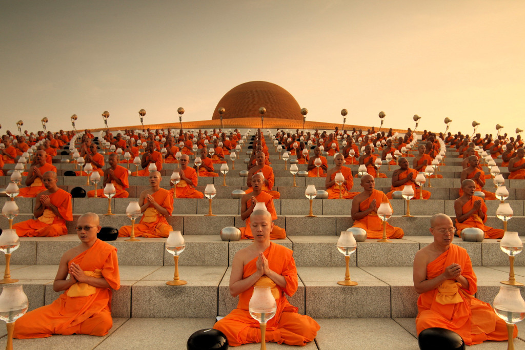 Magha Puja Day The Light Of Peace Ceremony Mr Change Games 1024x683