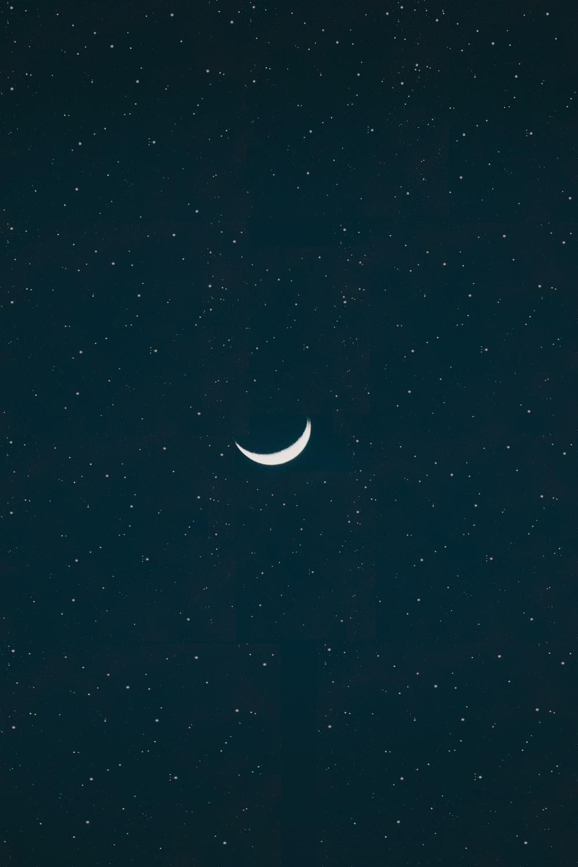 Quarter Moon Pictures Download Images on Unsplash 1000x1500