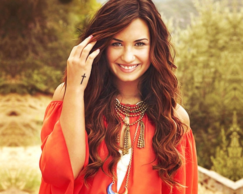 Demi Lovato HD Wallpapers 2015 960x768