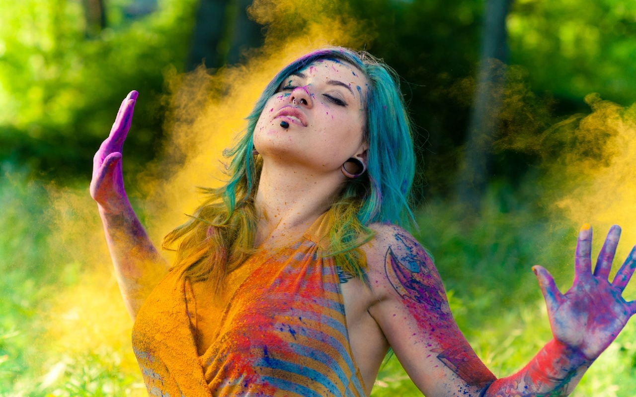 Girl During Holi Festival Beautiful HD Wallpaper 1280x800