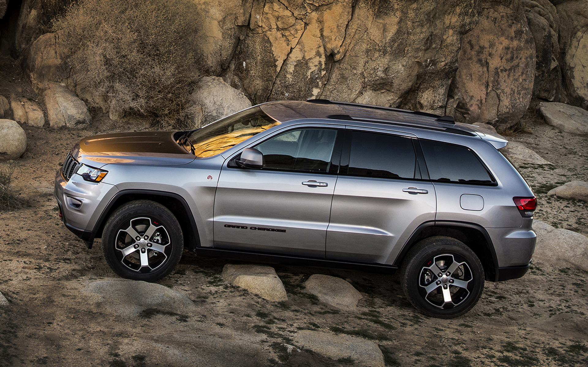 2017 Jeep Grand Cherokee Trailhawk   Wallpapers and HD Images 1920x1200