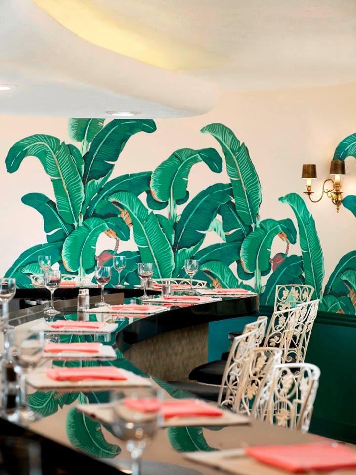 beverly hills hotel hollywood regency decor banana leaf wallpaper bar 720x960
