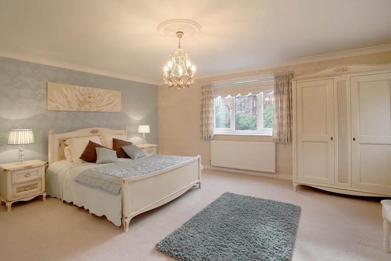 Contemporary Beige Bedroom Design Ideas Photos Inspiration 800x533