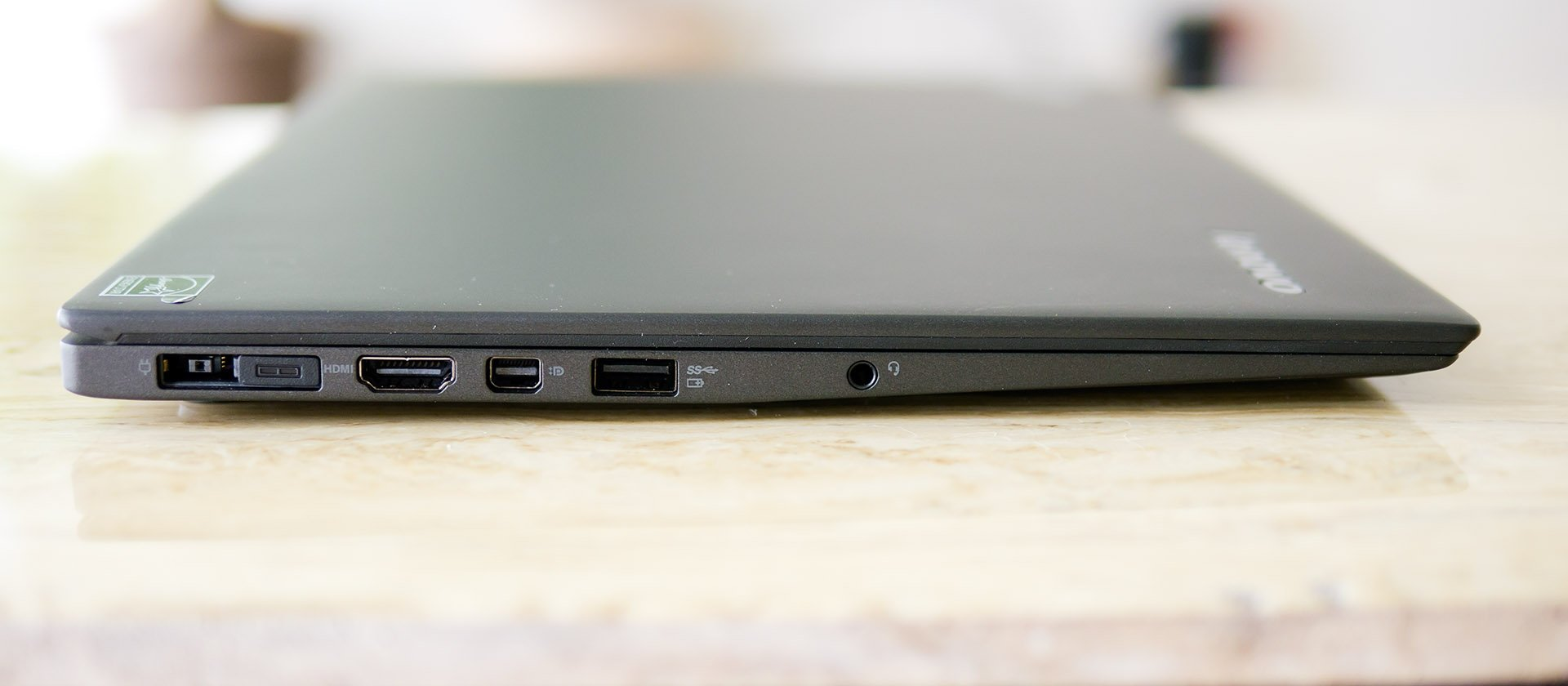 The Review49 Lenovo ThinkPad X1 Carbon 1920x840
