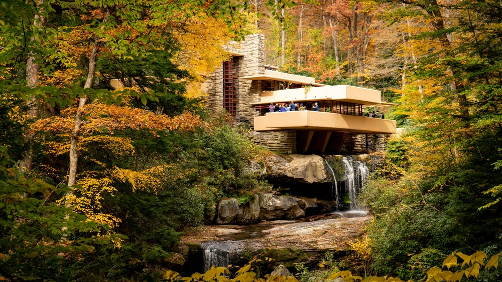 Fallingwater House Pictures Download Images on Unsplash 1000x563