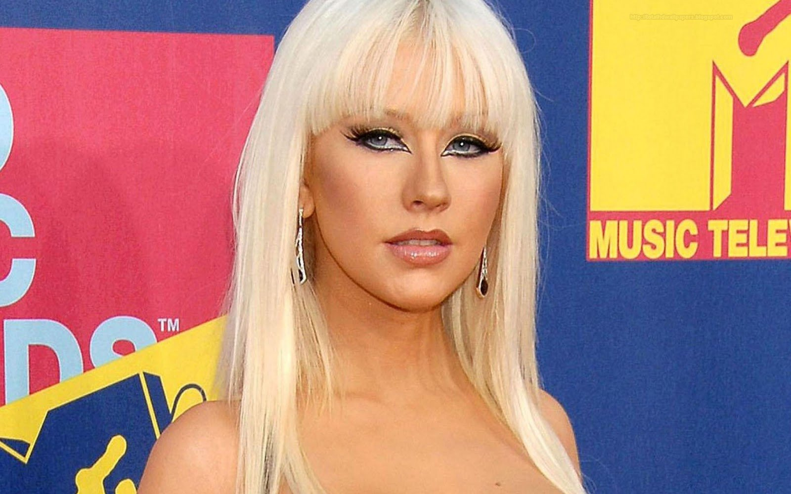 Hollywood actress wallpapers Christina Aguilera hd wallpapers 1600x1000