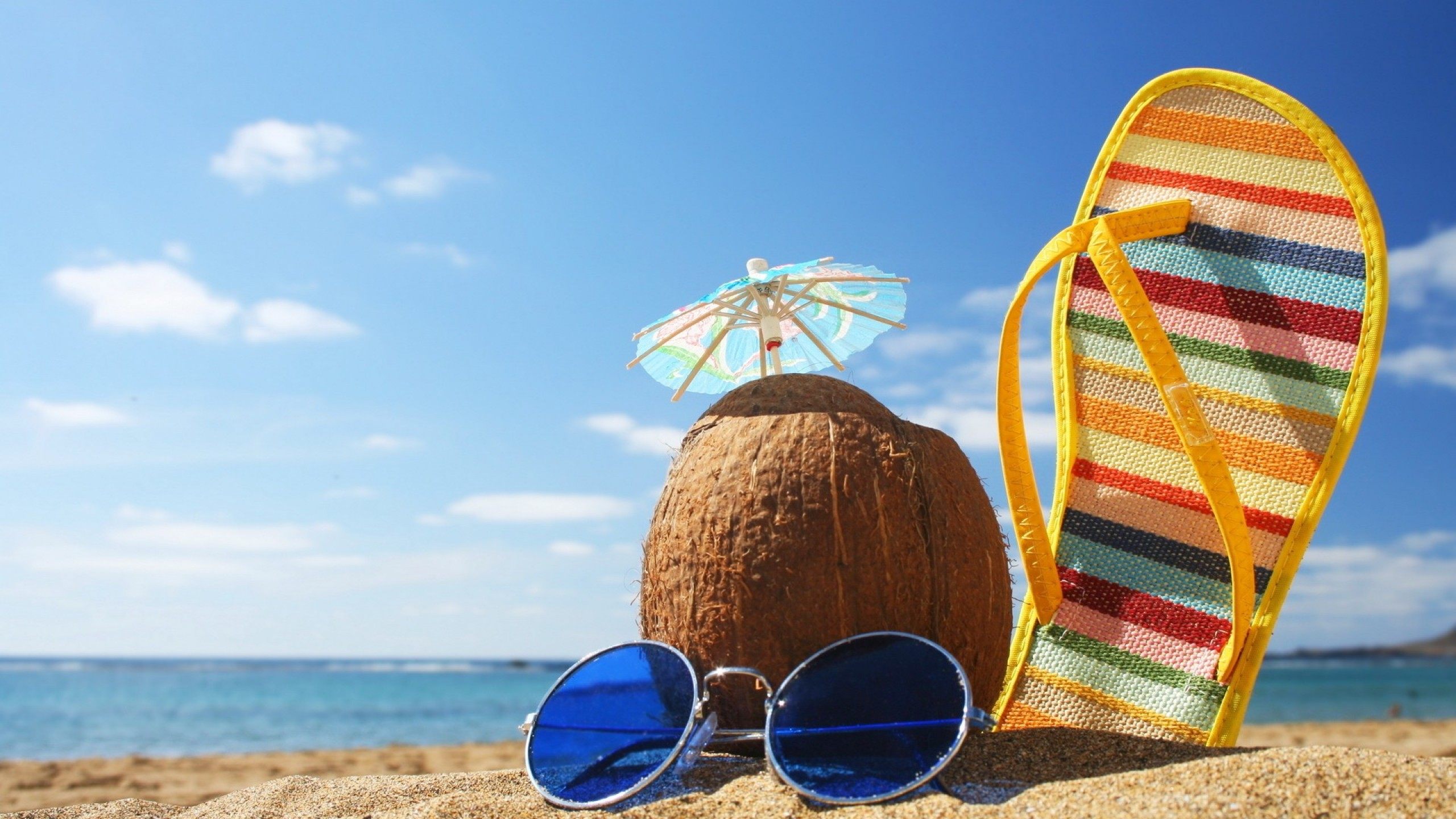 Summer Beach Fun Wallpaper Images amp Pictures   Becuo 2560x1440