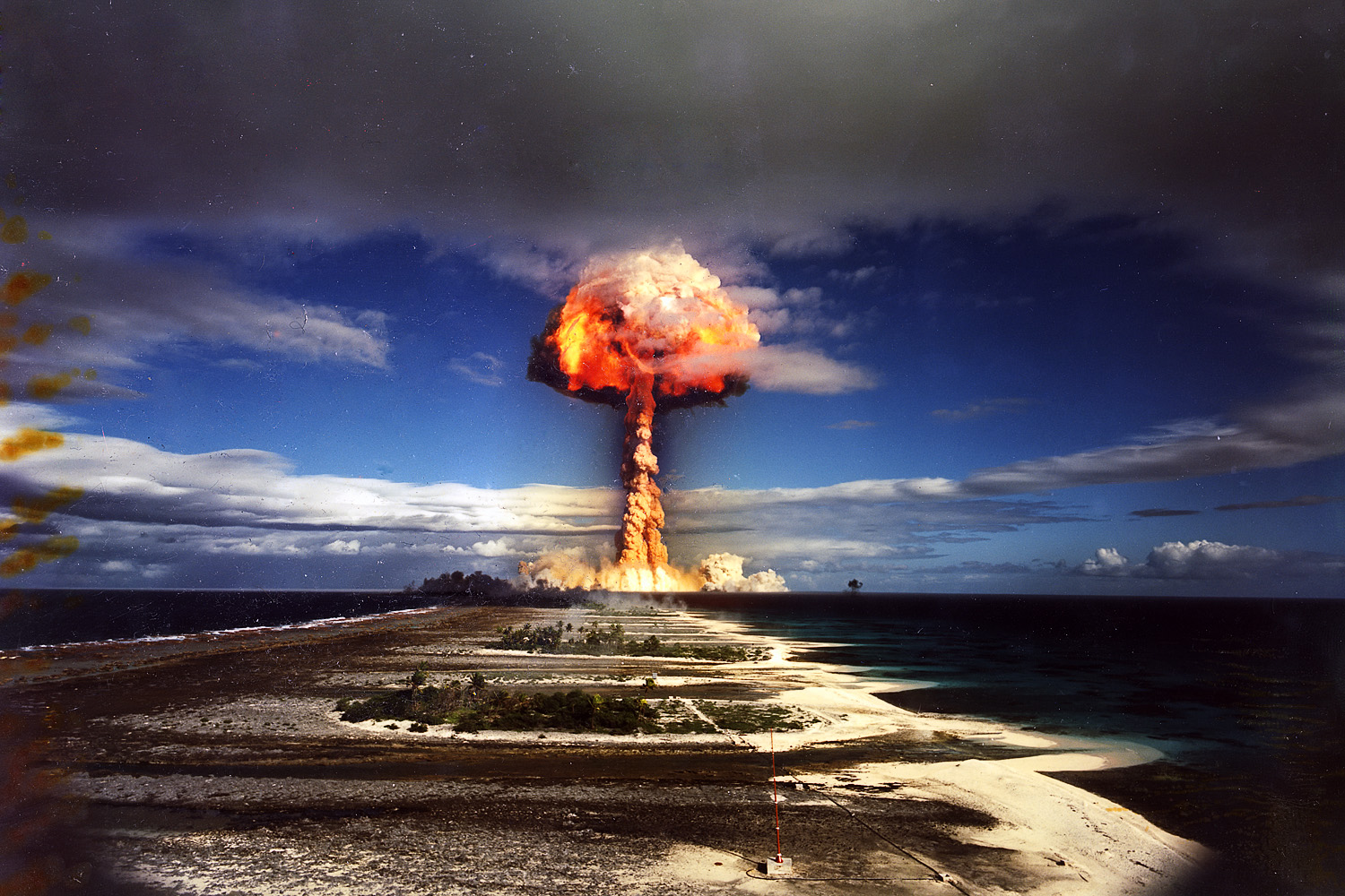 17972 miscellaneous nuclear explosion explosionjpg 1500x1000