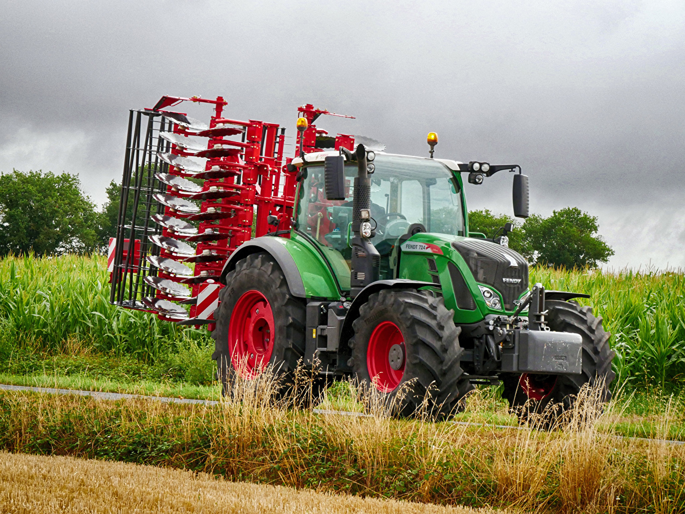 Wallpaper Agricultural machinery Tractor 2011 18 Fendt 724 Vario 1363x1024