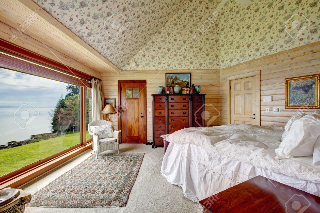 Tabln De Madera Con Paneles De Dormitorio Principal Con Techo 1300x866