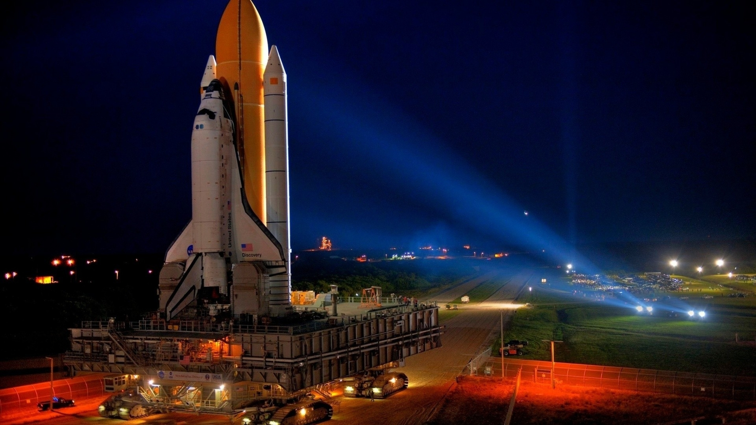 2560x1440 space shuttle nasa launch pad space shuttle discovery 2560x1440
