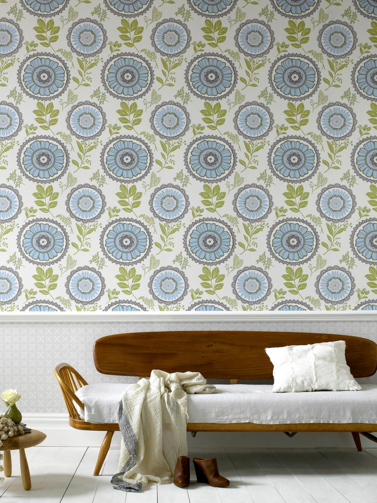 delicate floral wallpaper this charming wallpaper with its delicate 1280x1707