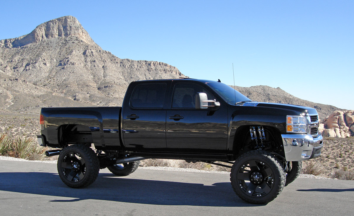 Lifted chevy lifted chevy trucks completely modified 2009