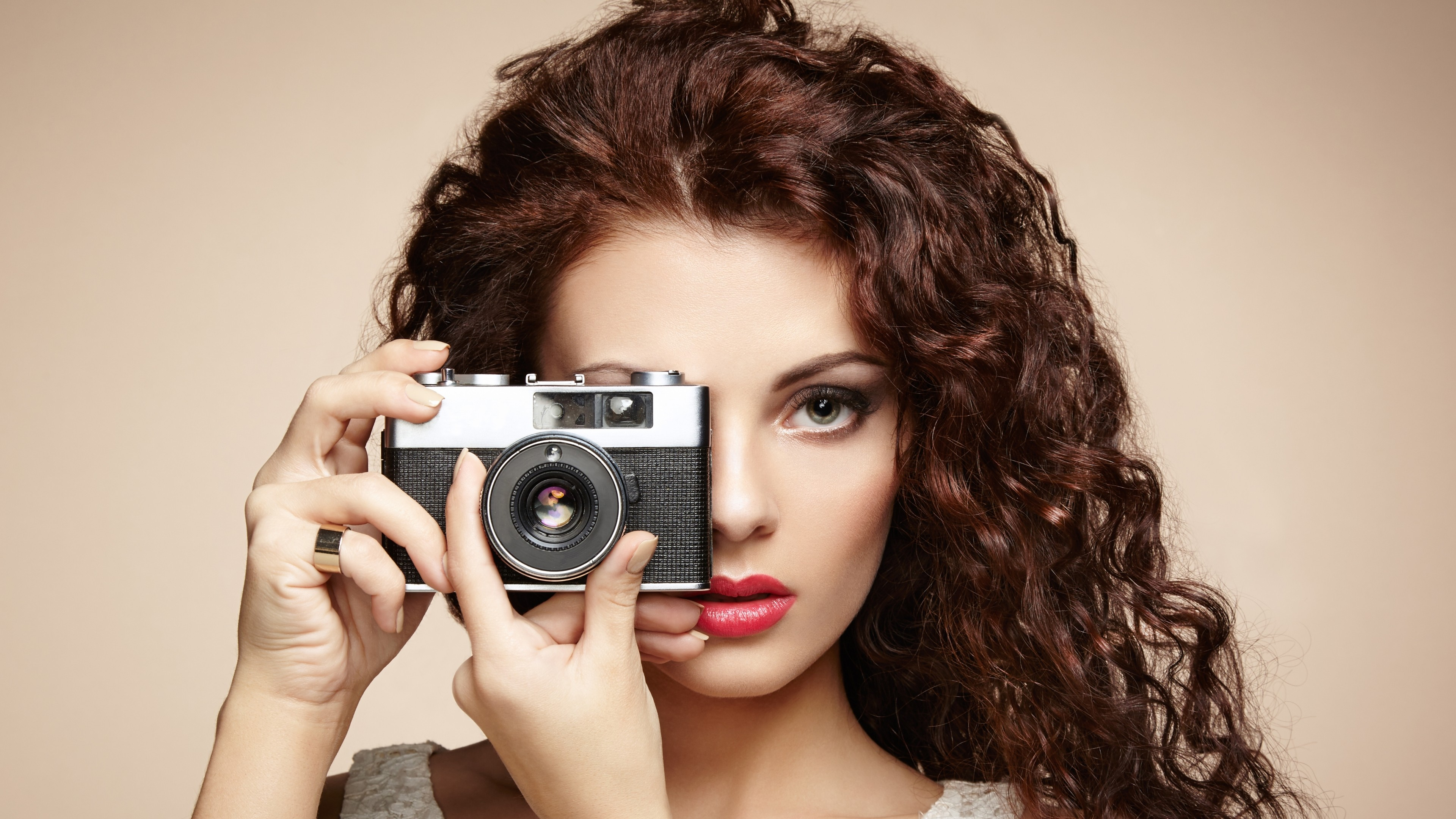 Cute Beautiful Camera Girl 1080p Wallpaper   New HD Wallpapers 3840x2160