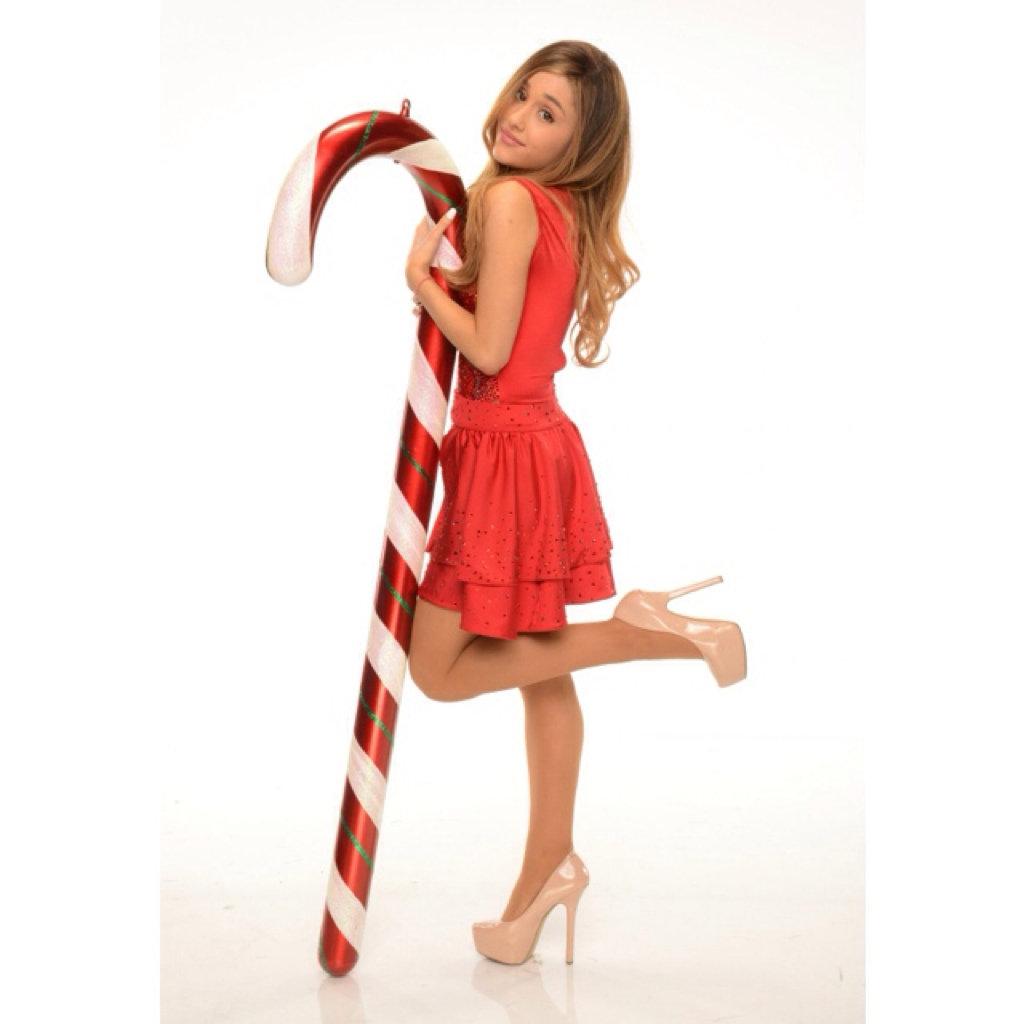 ARIANA GRANDE   LAST CHRISTMAS CWTCH EDIT CWTCH 1024x1024